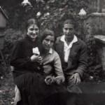 Anni '20 Con Rita Plozzer e Alfeo Martinis nell'orto di Sior Dato
