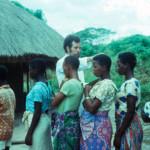 '66-'67 Padre Baritussio battezza i catecumeni