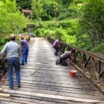 """Smantellamento della vecchia pavimentazione del ponte il località """"Sbevorchis"""""""